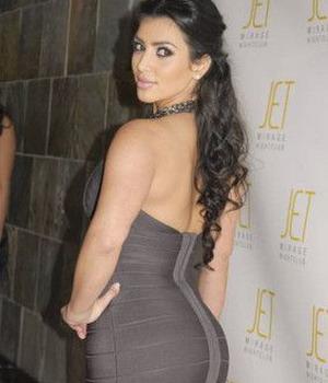Kim Kardashian Ngamuk Disebut Operasi Bokong