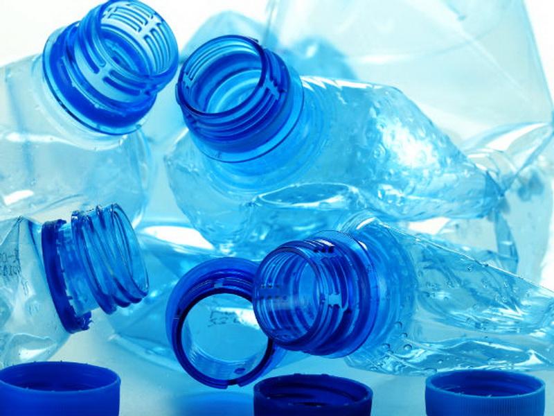 Sederet Bahaya Wanita Hamil Gunakan Botol Plastik