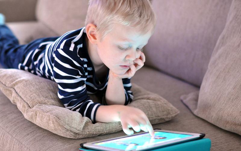 Soal Gagdet untuk Anak, Contoh Keluarga Steve Jobs