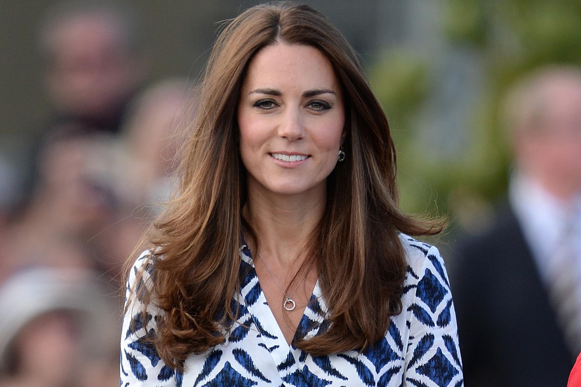 Saat Ibu Kate Middleton Asyik Belanja Untuk Cucu Kecilnya