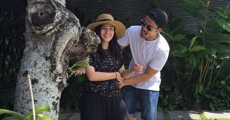 Chelsea Islan Liburan Bareng Chicco Jerikho ke Bali