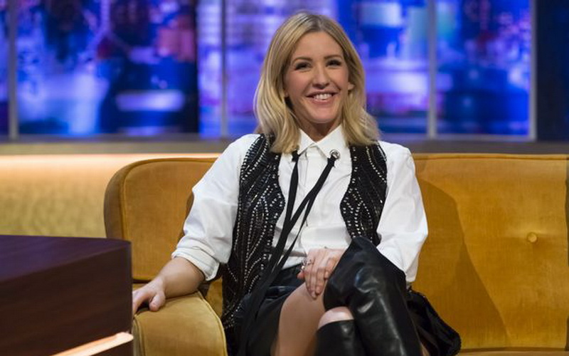 Ellie Goulding Batalkan Konser karena Kelelahan