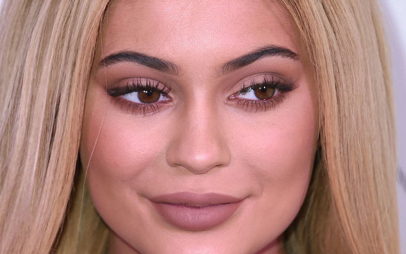 Ternyata, Kylie Jenner Gemar Pakai Produk Kosmetik Pria