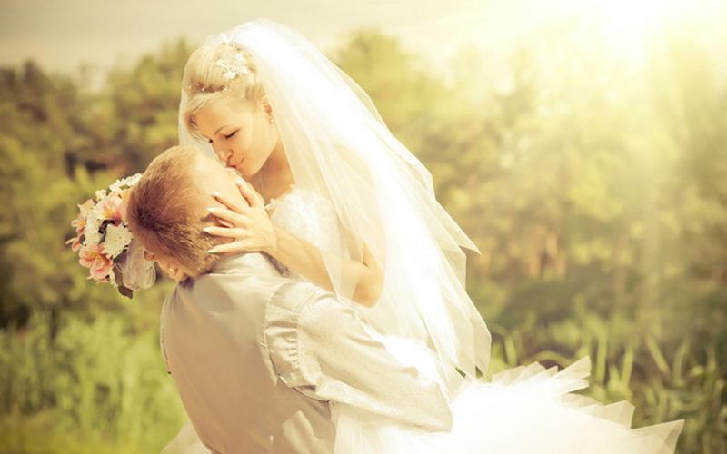Ternyata, Pernikahan Membuat Keuangan Lebih Baik