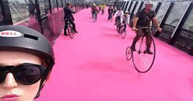 Unik! Jalur Sepeda di Selandia Baru Berwarna Pink