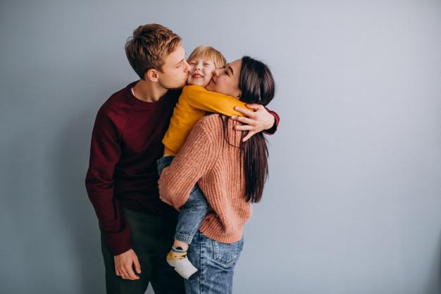 Ada 4 Gaya Parenting, Kamu Termasuk yang Mana?