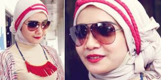 Trik Pilih Aksesori Sesuai Hijab