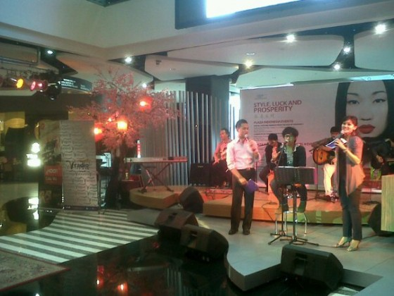 V Radio--Weekend of love -- plaza Indonesia